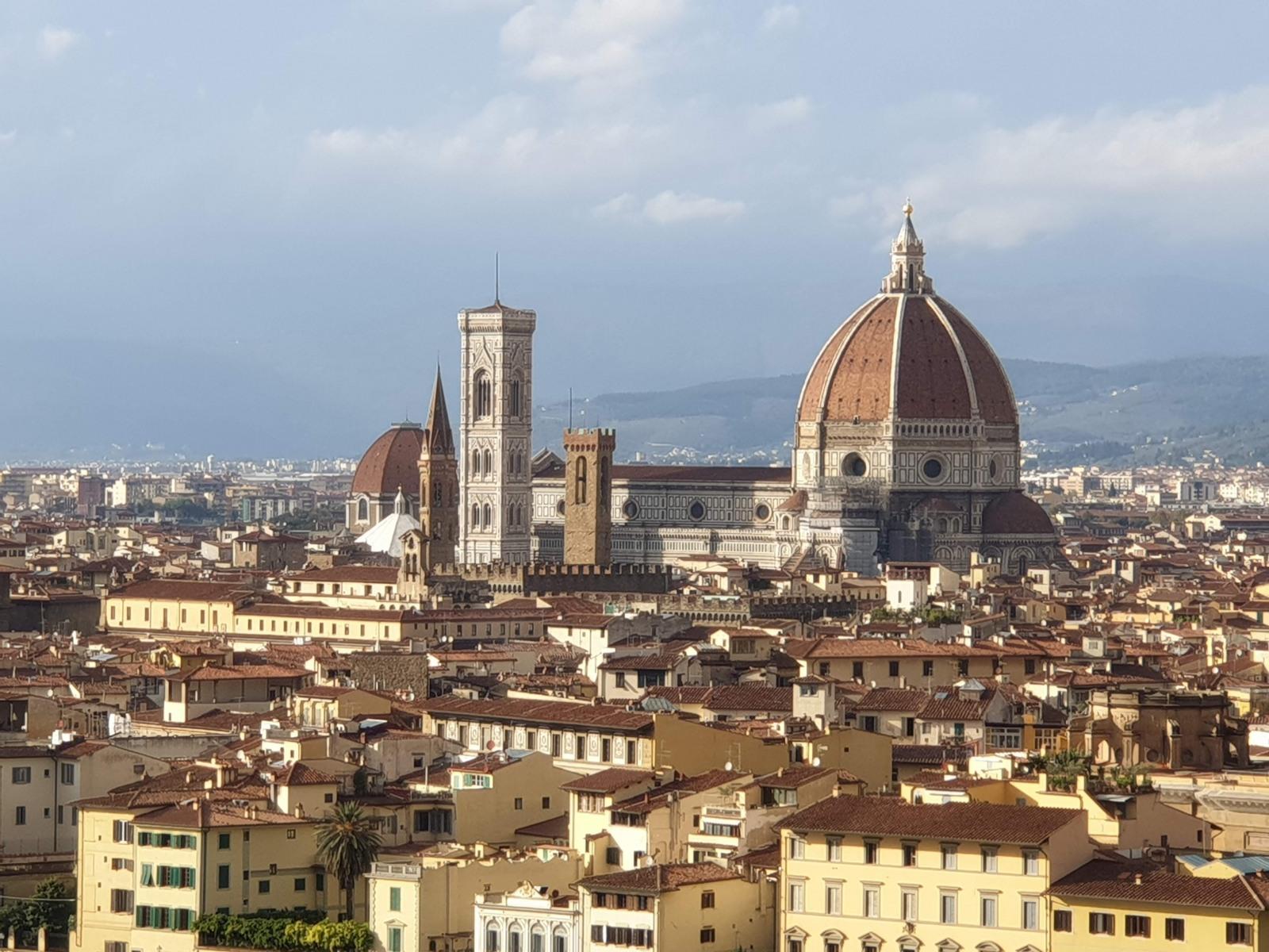 Vista aproximada Piazzale Michelangelo